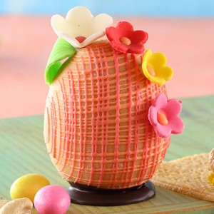 Marzipan Easter Egg with Marzipan Flowers (130gms)