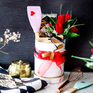 Mothers Day Special Hamper (White)